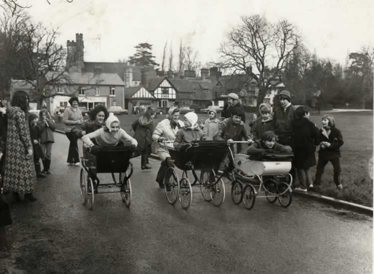 Women's Institute Pram Race, 1971