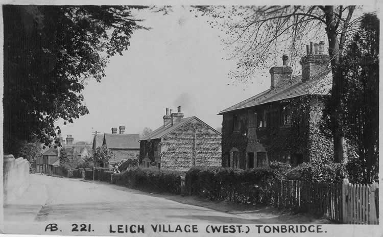 Penshurst Road from the four charity cottages (now the site of Saxby Wood) to the Brickmakers. Postcard postmarked 1915