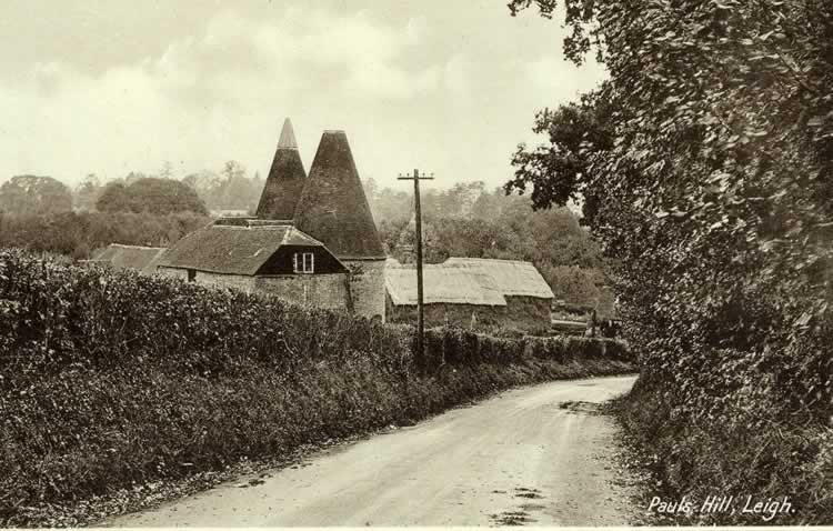 Paul's Hill and Paul's Hill Oast. Postcard, c. 1940