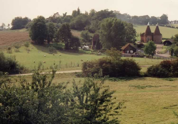 Paul's Farm Oast 1990. This was restored c. 1986