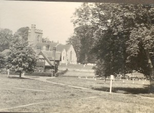 View towards South View and Church, showing footpaths across Green.  Note horsedrawn vehicles. Date ? pre-WW1