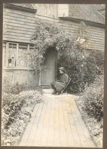 Not known. However, it could be Rose Cottage which stood on the site now occupied by Charlotte Bungalows, next to the White House. If you recognize this house, please let the society know.