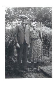 Fred and Emily Fitzjohn at 1 Park Cottages, High Street, Leigh ca. 1947