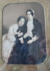 Heath/Richardson photograph - possibly Agnes with her mother?